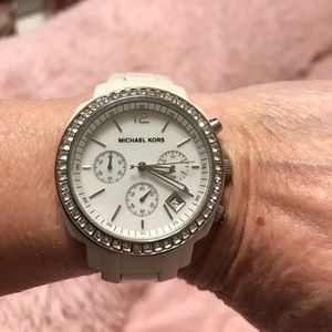 🌸MICHAEL KORS ~LADIES CRYSTAL BEZEL WATCH🌸 #5079